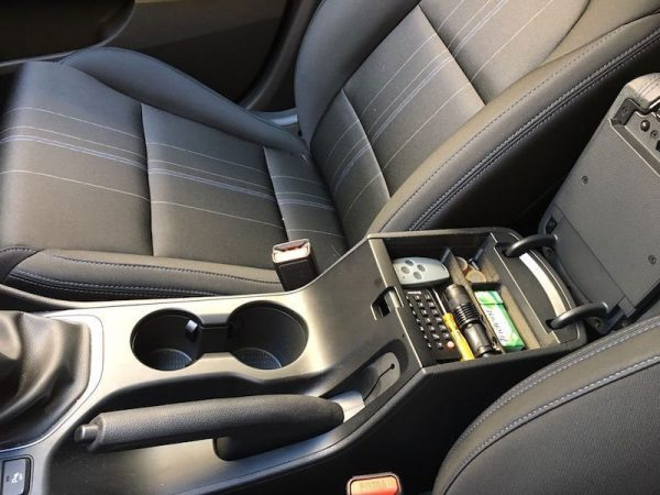 Hyundai Tucson 2016 | Center console tray